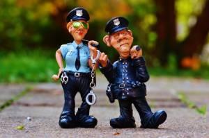 figurki policjantów