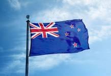 Flaga Nowej Zelandii powiewająca na wietrze