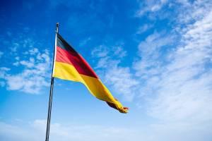 Kurs euro i DAX 30 w górę dzięki zaskakująco dobrym odczytom PMI Niemiec
