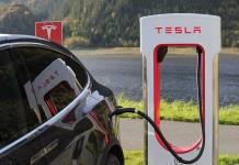 Tesla, stacja ładowania