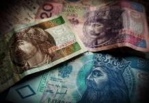 polskie banknoty 10, 20 i 50 złotych PLN