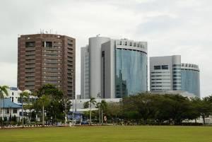 Centrum finansowe Labuanu. Źródło: Wikimedia Commons