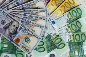 aktualny kurs euro dolara prognozy notowania wiadomosci