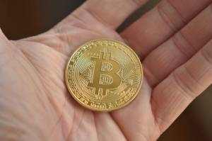 Bitcoin znowu powyżej 9 tys. USD. TRON, Tezos i Stellar liderami wtorkowych wzrostów