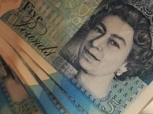 Kurs funta wzrósł o ponad 6 gr. GBP powyżej 5,07 zł! Co dalej z kursami euro, dolara i franka? Czwartkowe kursy walut, 5 grudnia