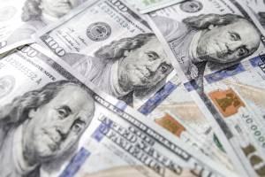 Kurs dolara (USD/PLN) przy 3.97 PLN. Amerykański dolar zbliża się do wsparcia