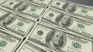 Notowania dolara amerykańskiego przy 3,75 PLN. USD/PLN z szansą strzelenia 3,77 PLN