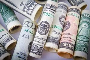 Kurs dolara (USD/PLN) w dół do 3,40 zł w 2021 r., twierdzi TMS Brokers