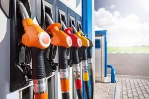 Cena paliw nie spadnie poniżej 2,5 zł nawet gdyby ropa była darmowa