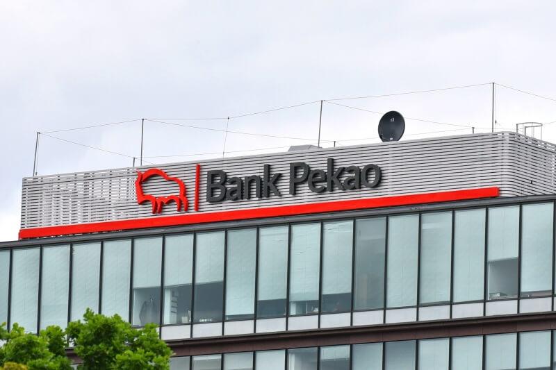 Bank Pekao zaczyna korektę. Celem okolice 55 zł