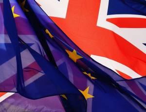 Kurs funta (GBP/USD) sięumacnia. W co gra Unia Europejska i Wielka Brytania jeśli chodzi o Brexit?