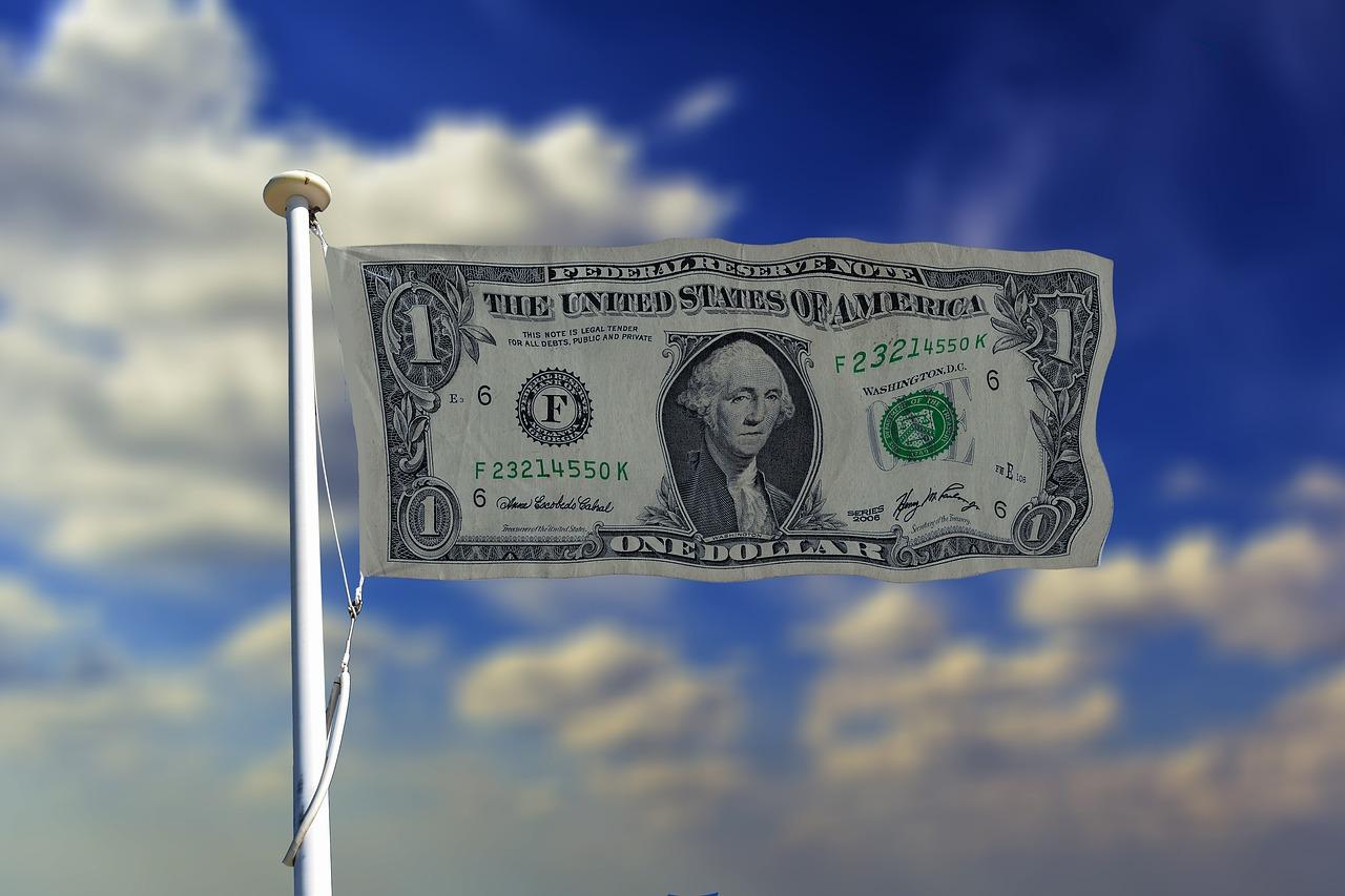 Kurs dolara USD na minimach, kurs euro EUR w dół, frank i funt stabilne 12 listopada