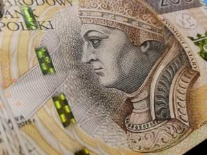 Kurs złotego traci wobec głównych walut! Euro, frank, funt i dolar coraz droższe. Kursy walut w środę, 20.11.2019