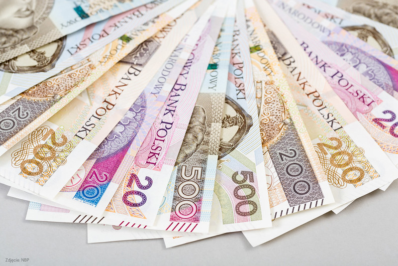 Kursy walut NBP w czwartek Kurs franka rośnie o 0,8%, dolar, funt i euro idą w jego ślady 14 listopada 2019
