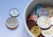 Kurs funta (GBP) był numerem jeden, kurs dolara (USD) spadał 4. sesję z rzędu w poniedziałek