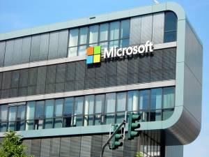 Microsoft z wynikami lepszymi od prognoz, poprawa nastrojów na rynkach