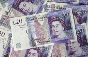 Kurs funta (GBP) słaby w sierpniu. Przez ostatnie 10 lat rósł tylko 2 razy