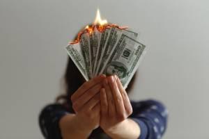 Dolar umacnia się, kurs (USD/PLN) rośnie