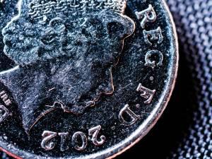 Kurs funta (GBP/USD) spadnie do 1,24, a kurs euro (EUR/GBO) wzrośnie do 0,90? Prognozują banki
