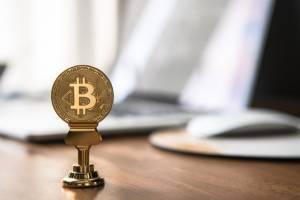 Bitcoin testuje ważny poziom. Kurs BTC wybije miesięczną konsolidację?