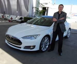 Bitcoin nowąformą płatności w Tesla, poinformował Musk. Zakupy za BTC jednak nie takie łatwe