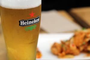 Heineken ofiarą Covid-19. Mniejsza konsumpcja piwa odbiła się na spadku przychodów