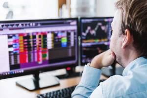 Notowania na giełdzie ulegają dużym wahaniom indeksów