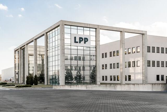 LPP z silnym uderzeniem podaży przed zamknięciem piątkowej sesji