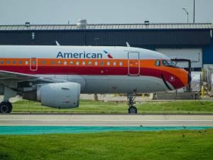 American Airlines chce pozyskać kolejne 3,75 mld dol., notowania w czerwcu z niesamowitą zmiennością