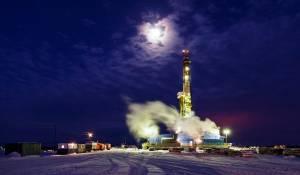 Cena ropy WTI odrobiła straty z marca i jest najwyższa od lutego