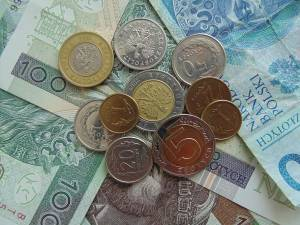 Kurs złotego silniejszy od dolara i euro. PLN traci do franka i funta na Forex