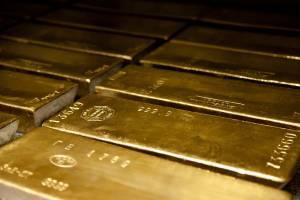 Cena złota wzrasta w środę i zmierza do zakończenia grudnia znaczną zwyżką