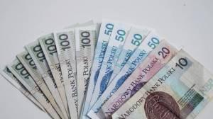 Kurs złotego oddaje pola, kurs funta kosztuje prawie 5,00 zł! PLN silnie traci do euro, franka i dolara