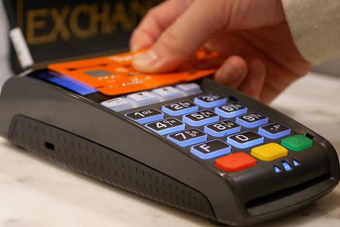 Z terminalem płatniczym pracuje się lepiej! Sprawdź, co warto wiedzieć o płatnościach bezgotówkowych