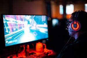 Ghost of Tsushima vs Last of Us Part 2. Która gra Sony jest lepsza?