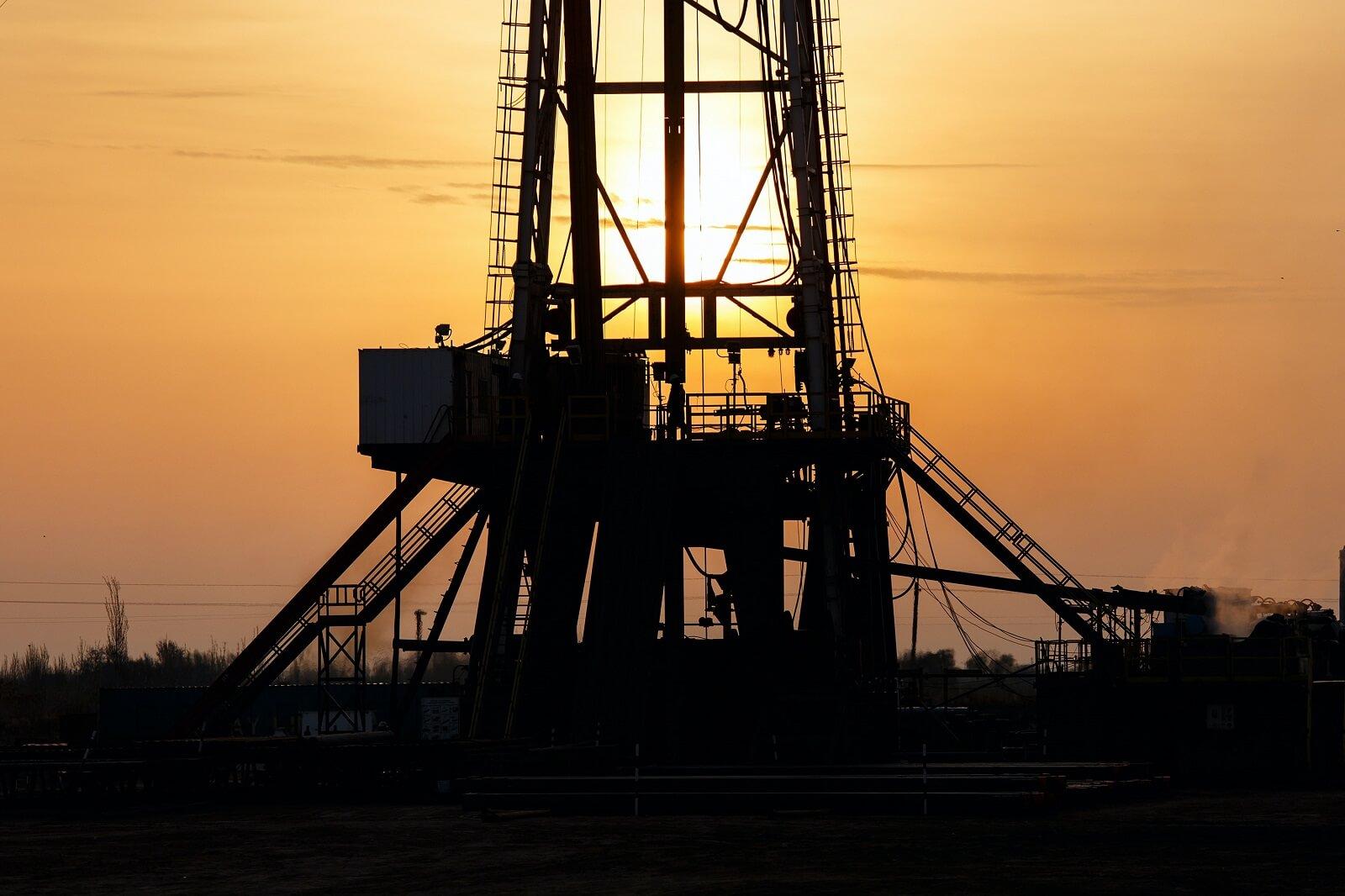 Cena ropy naftowej: jakie zmiany zajdą na rynku dzięki szczepionce na Covid-19?