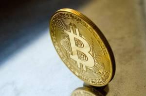 Bitcoin do dwóch lat zdrożeje do 170 000 USD - uważa analityk Bloomberga