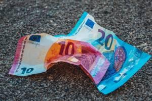 Kurs dolara (USD/PLN) w dół drugi dzień z rzędu. Euro nie pokonało oporu