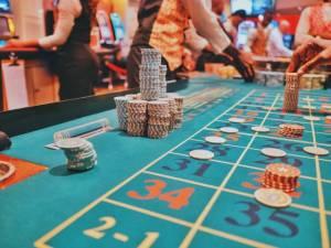 Kryptowaluty: przewodniczący SEC porównuje stablecoiny do żetonów w kasynie