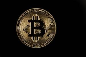 Bitcoin odrabia część strat. Kryptowaluty spadały przez rynek instrumentów pochodnych?