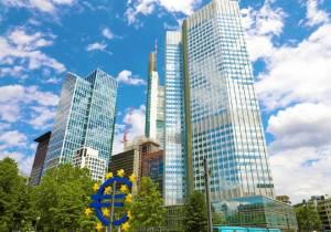 EBC osłabia euro i wspiera eksporterów. Chiny znów stawiają na eksport