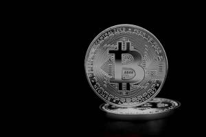 Bitcoin nie utrzymał szczytów. Kryptowaluty w środowej korekcie