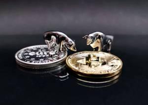 Bitcoin najwyżej od 5 m-cy. Kryptowaluty ethereum i litecoin idą w jego ślady