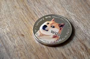 """Elon Musk: Dogecoin (DOGE) musi zmniejszyć opłaty, to """"super ważne"""""""